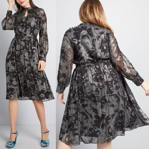 Modcloth More To Adore Black & Silver Midi Dress M